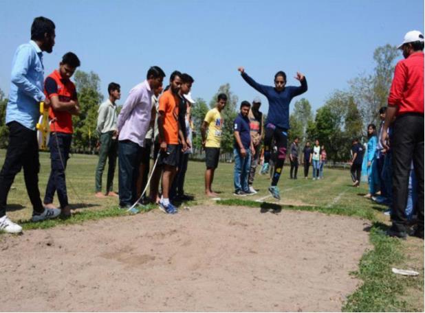 Athletic Meet : Long Jump